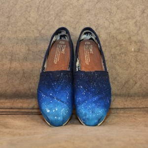 Custom, hand painted Blue Ombre TOMS shoes featuring a purple gradient ombre with white splash.